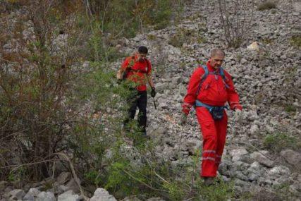 UČESTVOVALO 46 SPASILACA Spasen teško povrijeđeni planinar na Prenju
