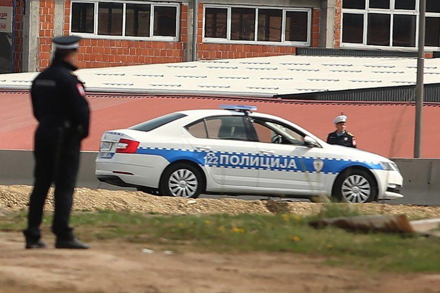SUDAR KAMIONA I AUTOMOBILA Tri osobe povrijeđene kod Zvornika, saobraćaj OBUSTAVLJEN