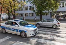 """ISTRAGA U TOKU U Prijedoru ukraden """"mercedes"""" vrijedan 15.000 maraka"""