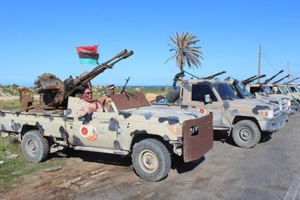 SUKOBI NE JENJAVAJU UPRKOS APELIMA Četvoro poginulih u granatiranju Tripolija