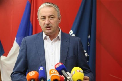 """""""PREDANO SLUŽIO CRKVI I NARODU"""" Borenović uputio telegram saučešća SPC povodom smrti patrijarha"""