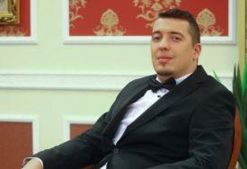 """""""ZMIJE NISU KAKVE SU TE ŽENE"""" Pjevač se razveo poslije 4 GODINE braka pa iznio sve"""