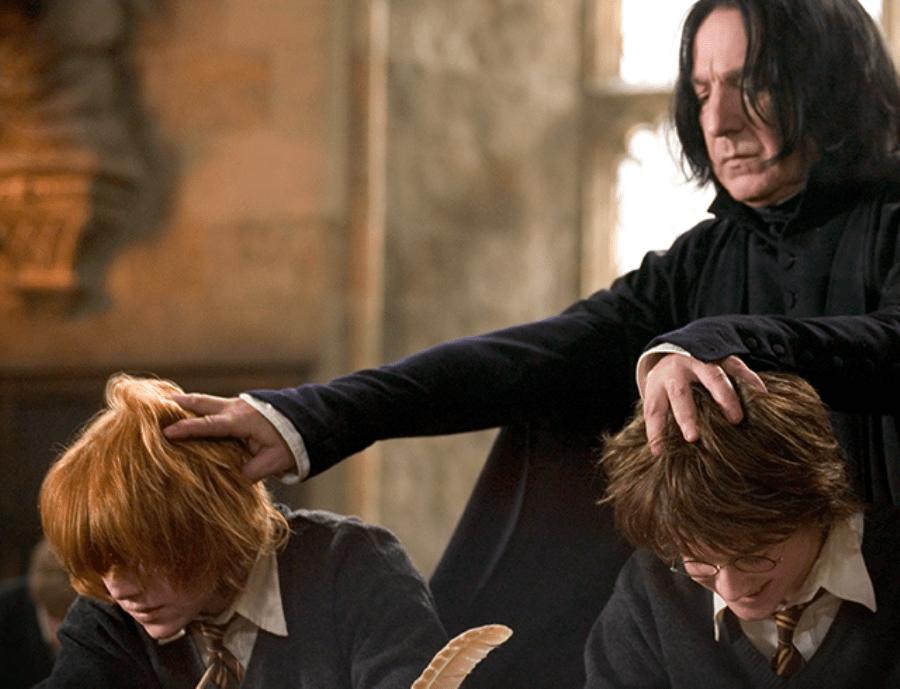 NEOBIČNA ODLUKA: Katolička škola zabranila Harija Potera da učenici ne prizovu zle duhove!