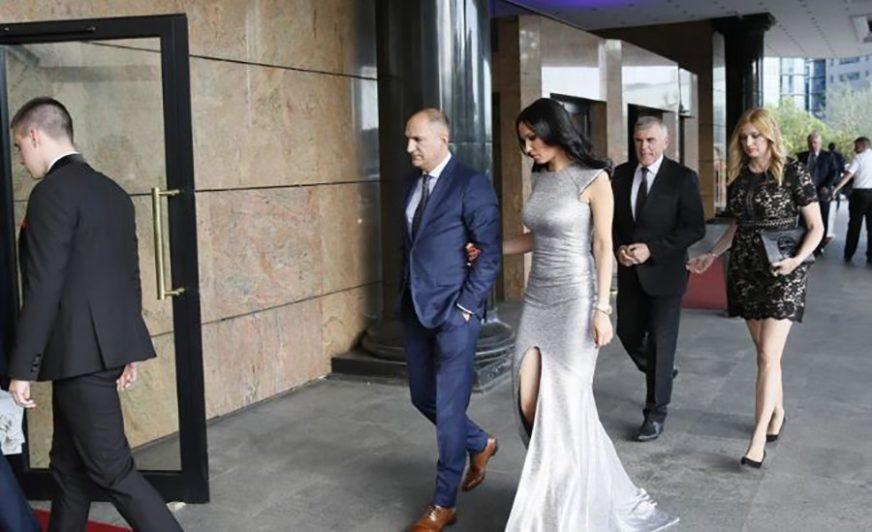 ONA MU JE OSVOJILA SRCE Nakon razvoda od glumice, sportista se skrasio sa OVOM LJEPOTICOM (FOTO)