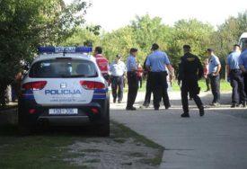 BAHATO I NEODGOVORNO PONASANJE Policajci zatekli pun kafić gostiju, vlasnik dobio prijavu za ŠIRENJE ZARAZNE BOLESTI