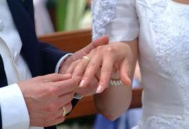 ŽARIŠTE KORONE NA VJENČANJU Na svadbi zaraženo 36 zvanica, a 233 osobe u izolaciji