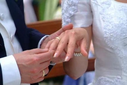 PAR IZ TREBINJA OBORIO SVE REKORDE Vjenčali se u subotu, pa razveli u srijedu