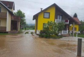 Voda ugrozila 20 kuća kod Viteza