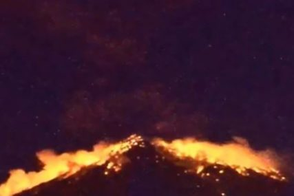 PRORADIO VULKAN SINABUNG Izbacuje gust pepeo u visinu do 2.800 metara