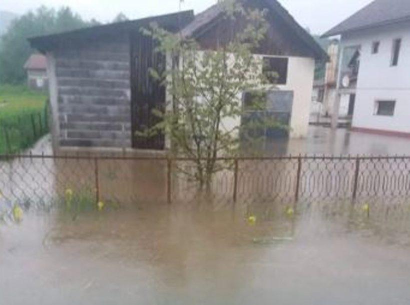"""""""NIKO NAM NIJE POMOGAO"""" Blokirane kuće u selima kod Žepča (VIDEO)"""