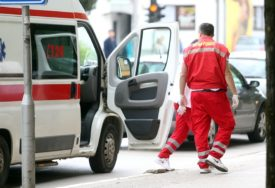 TEŠKA NESREĆA KOD LOZNICE Šest osoba povrijeđeno na parkingu kod etno sela