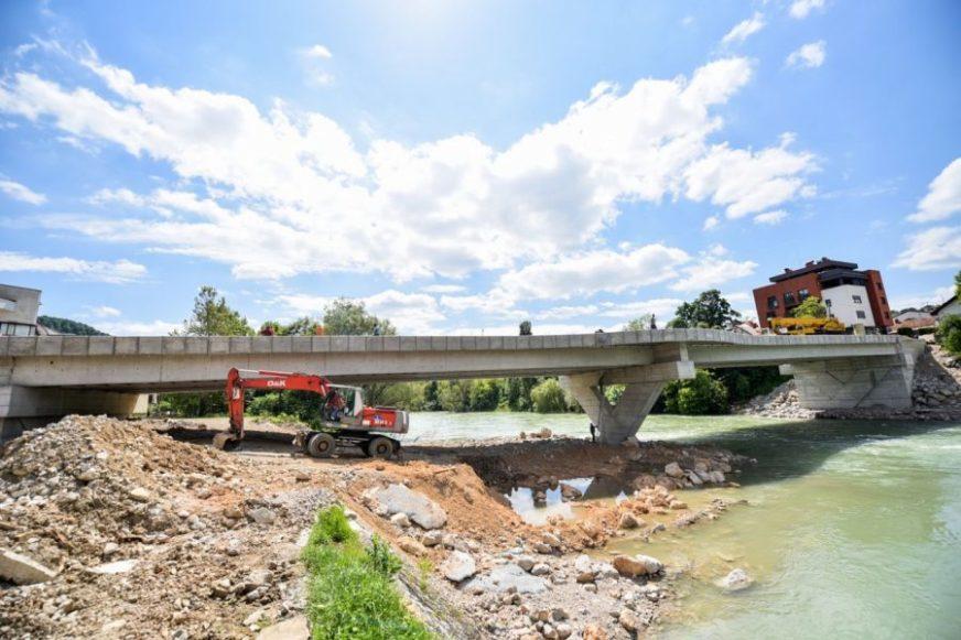 POČETKOM JUNA ZAVRŠNO ASFALTIRANJE Uskoro gotova gradnja novog Zelenog mosta