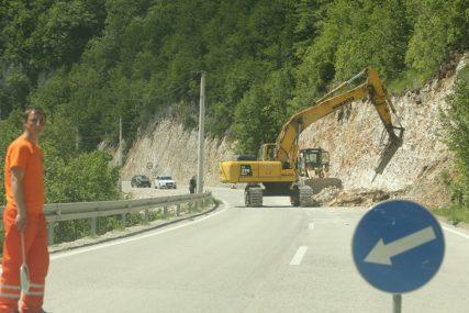Vozači, budite na oprezu! Izmjene u saobraćaju samo na mjestima izvođenja radova