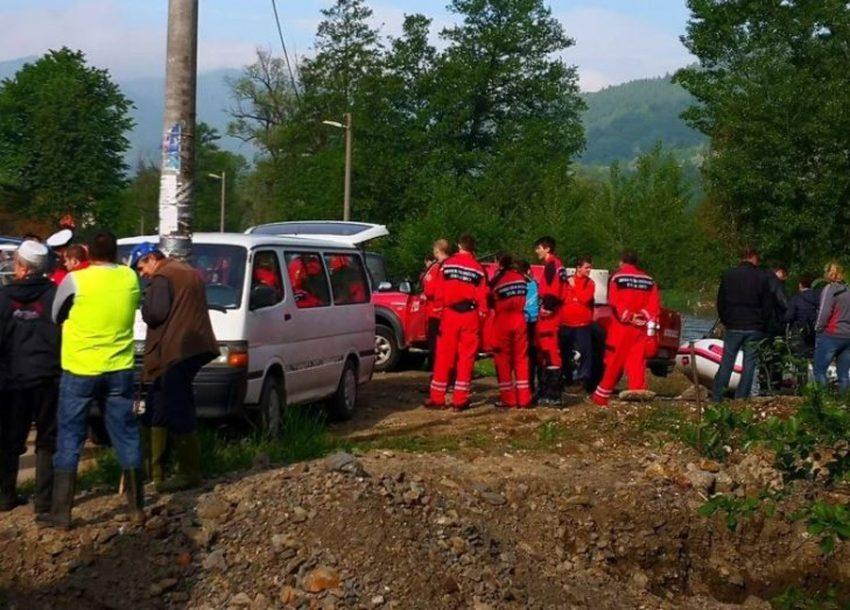 POTRAGA ZA DJEČAKOM IZ ŽEPČA Stotinu spasilaca pretražuje rijeku Bosnu