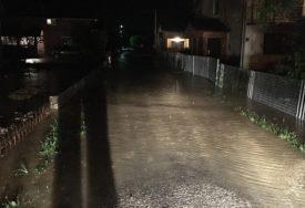 KRITIČNO U PRIJEDORU Zaplavljeno 200 kuća, presječeni putevi (VIDEO)
