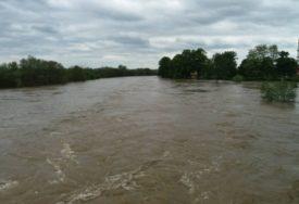 OBILNE KIŠE NAPRAVILE HAOS Tri osobe poginule u poplavama, stotine ljudi evakuisano