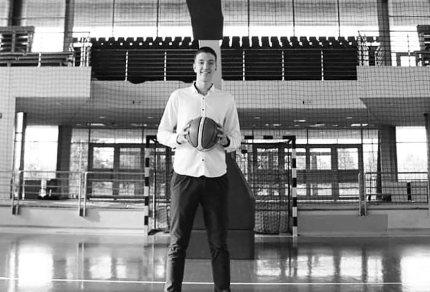 """""""UVIJEK NASMIJANI SREĆKO NIJE VIŠE S NAMA"""" Preminuo mladi košarkaš Igokee nakon sedmodnevne borbe za život"""