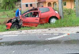 SAOBRAĆAJNA NESREĆA U sudaru dva automobila povrijeđene ČETIRI OSOBE
