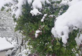 JOŠ MALO PA NA SKIJANJE Na planinskom vrhu u Sloveniji pao snijeg (FOTO)