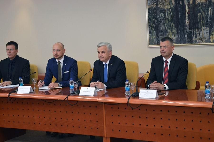 Čubrilović: Srpska za evropski put, ali ne i za prenošenje nadležnosti