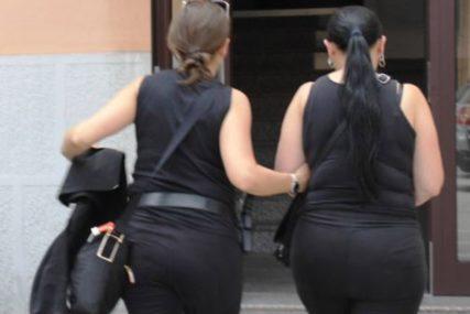 UBILE BEBU I STAVILE U CRNU VREĆU Policija zatekla KRVAVE ČARŠAFE u stanu gdje se tinejdžerka porodila
