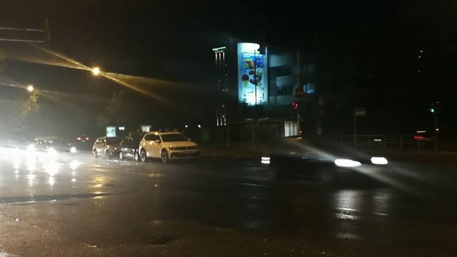 LANČANI SUDAR Tri automobila učestvovala u udesu u Sarajevu
