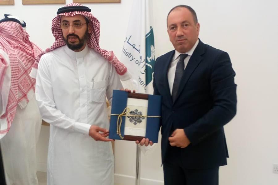 POKLON MINISTRA CRNATKA Zmijanjski vez u Saudijskoj Arabiji (FOTO)