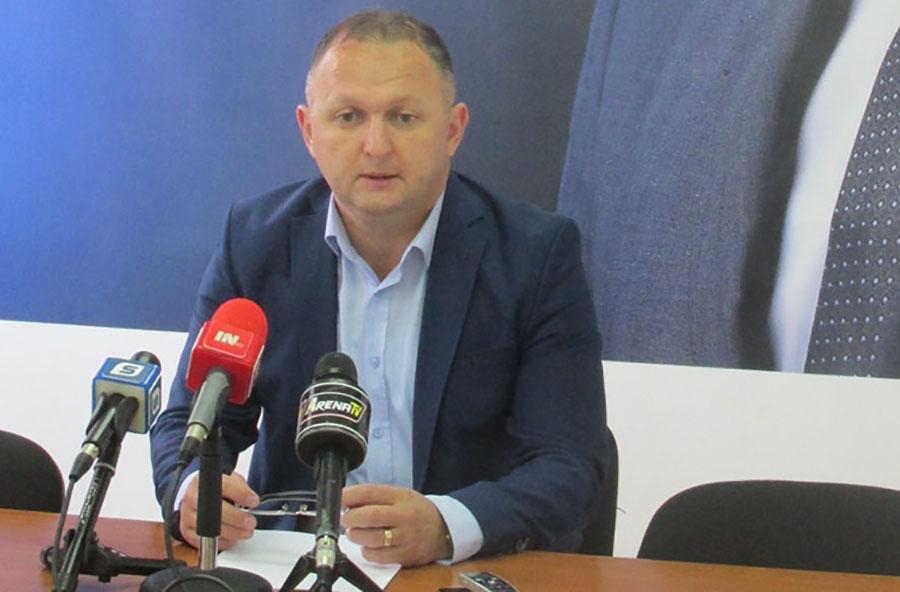 """""""VELEIZDAJA MIĆE MIĆIĆA"""" Stojanović oštro o bivšem stranačkom kolegi"""
