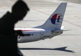 """""""PUTNICI BI NJEŽNO UMRLI"""" Teorija zavjere: Pilot namjerno srušio malezijski avion"""