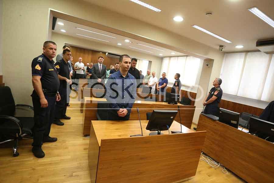 ZARIO MU ŠRAFCIGER U GLAVU Bilčaru za UBISTVO Milovanovića 14 godina ROBIJE