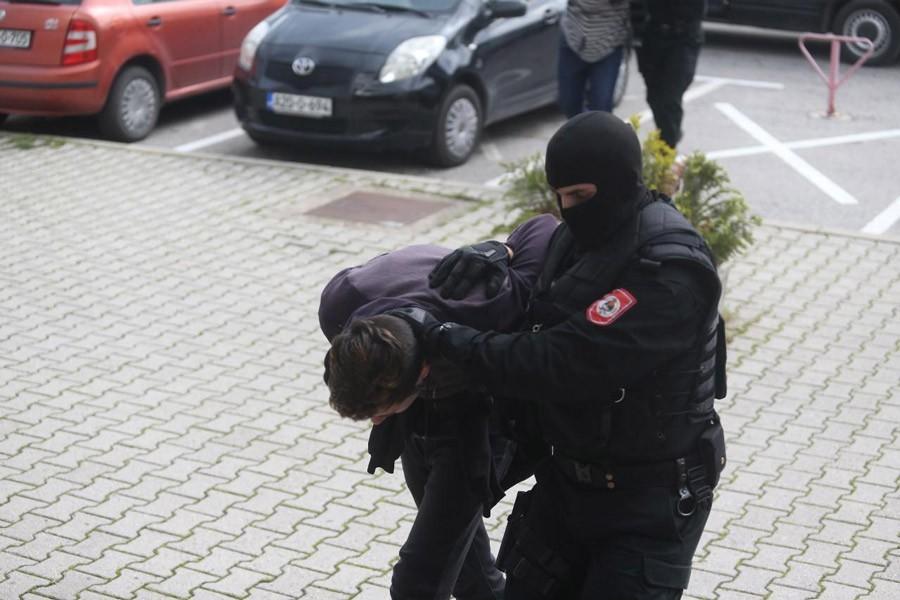 ZATEČEN U KRAĐI Uhapšen muškarac, opljačkao ugostiteljski objekat i prodavnicu