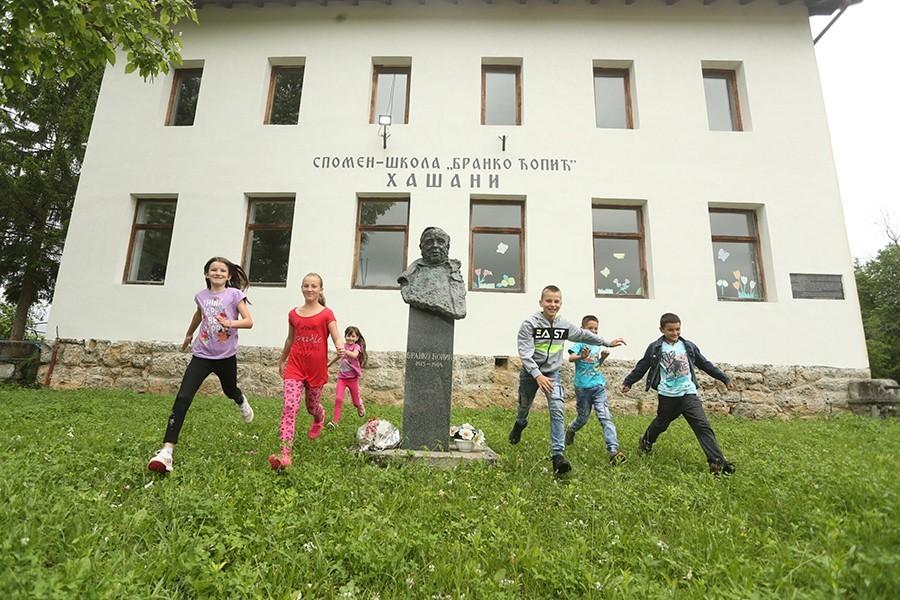 ZA RODNU KUĆU BRANKA ĆOPIĆA 150.000 MARAKA Vlada Srpske pomaže revitalizaciju Hašana