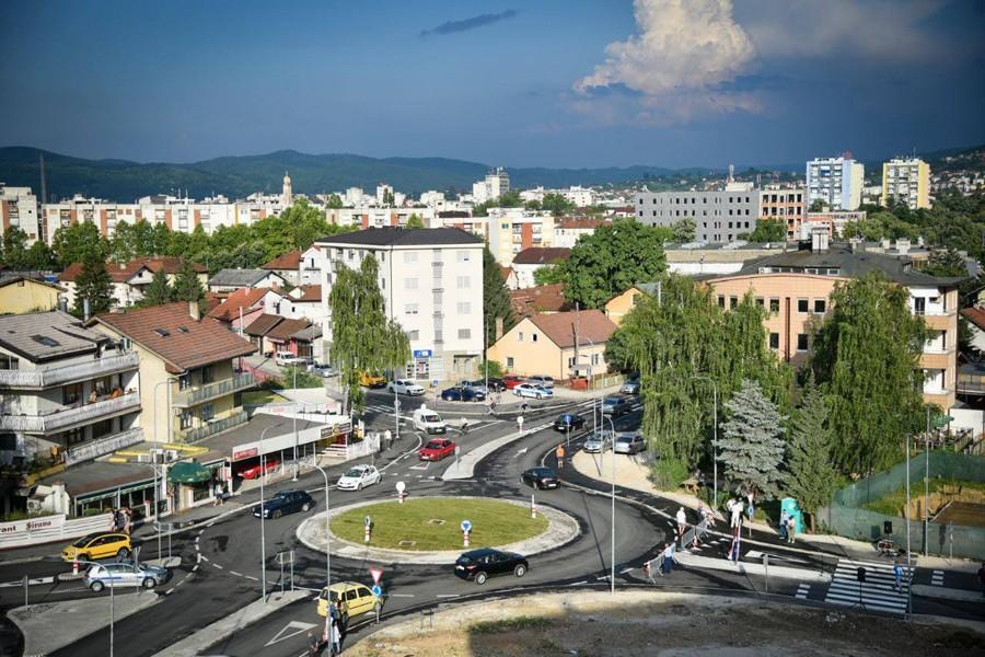 Haos ispred pekare u Banjaluci: Tukao se, pa pijan vrijeđao policajce