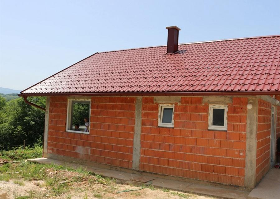 PROGRAM STAMBENOG ZBRINJAVANJA Obnova i gradnja kuća za 85 PORODICA iz Srpske
