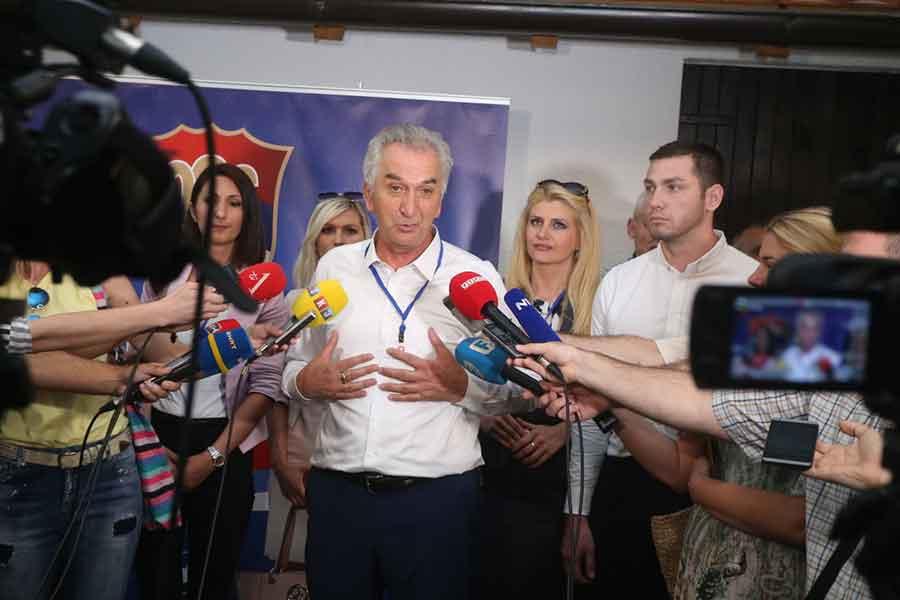"""""""BILA JE TO DEMOKRATSKA UTAKMICA"""" Šarović želi SDS koji će biti KLJUČNA politička opcija"""