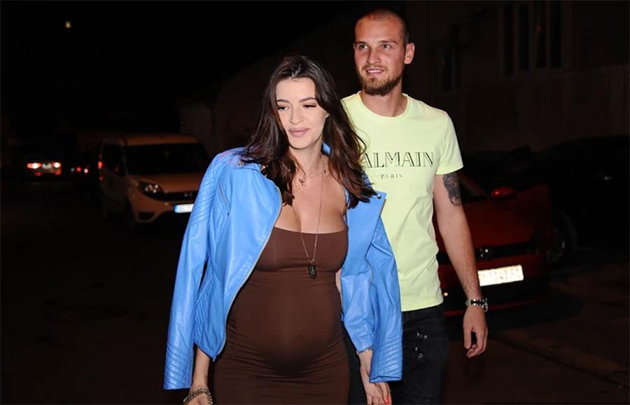 BEBA U STOMAKU OPONAŠA TATU Trudna supruga srpskog fudbalera pokazala slikom sa ultrazvuka ODUŠEVILA SVE