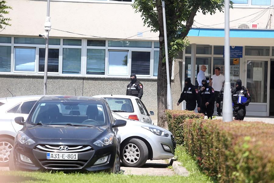 BURNA NOĆ U BANJALUCI Nakon tuče NAPAO POLICAJCA, a alkotest je pokazao da je PIJAN