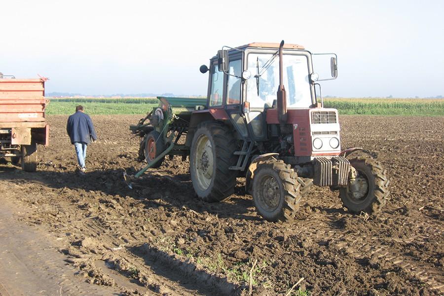 PODRŠKA CENTRA ZA RAZVOJ SELA Podijeljeni PODSTICAJI za 348 poljoprivrednika