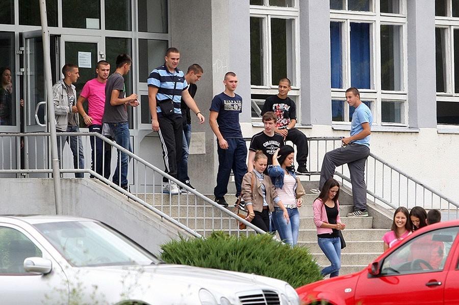 STIŽE NOVA GENERACIJA Upis u srednje škole u Srpskoj od naredne sedmice, ali uz POŠTOVANJE MJERA