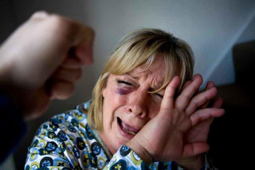 PONOVO PREŽIVJELA UŽAS Ženu brutalno pretuklo više muškaraca, slomili su joj ruku i noge