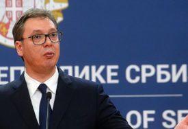 """VUČIĆ ČESTITAO MIŠUSTINU """"Nastaviti razvoj prijateljskih odnosa Srbije i Rusije"""""""