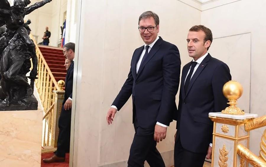 MAKRON DOLAZI U SRBIJU: Vučić ga vodi u šetnju Kalemegdanom, Dačić će mu pjevati Šanzelize…