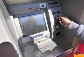 U toku ISTRAGA U TESLIĆU: Nepoznata osoba podigla tuđi novac na bankomatu