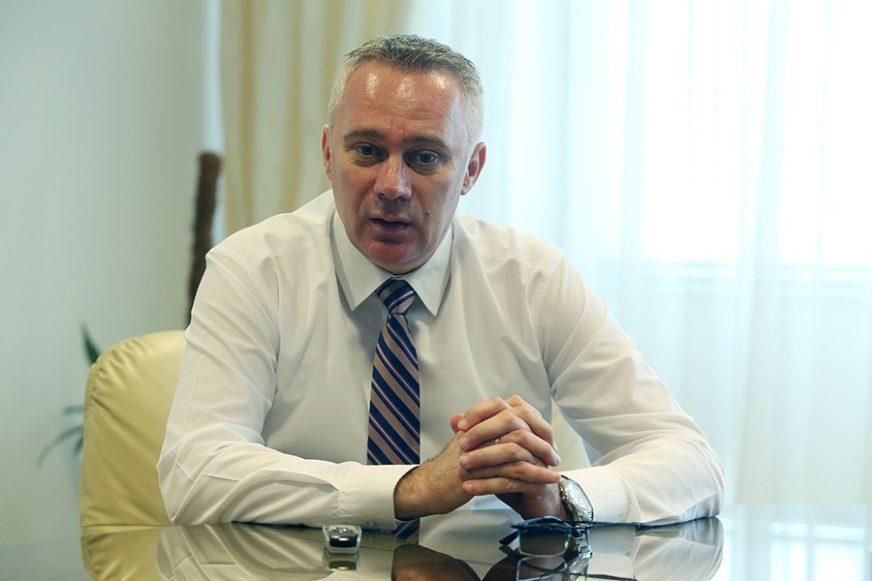 """""""Petrović je ignorisao moj poziv"""" Ministar Pašalić tvrdi da je gradonačelnik Bijeljine  odbio da se sastanu u Janji"""