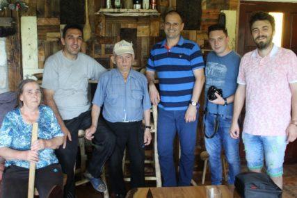 VIJEKOVI SAČUVANI U STARIM ALATKAMA Porodični muzej Radenka Čubrilovića na Manjači