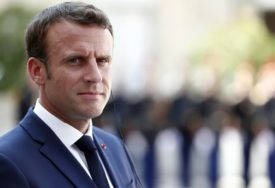 Makron: Veći evropski udio u NATO značio bi manju zavisnost od SAD