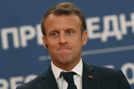 DETALJI MAKRONOVOG LJUBAVNOG ŽIVOTA U francuskog predsjednika bila zaljubljena kćerka njegove supruge