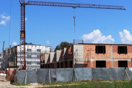 Programi socijalnog zbrinjavanja u Gradiški: Pomoć za pokretanje vlastitog biznisa i popravku kuća