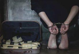 OSUMNJIČEN ZA KRAĐU NOVČANIKA PO BANJALUCI Poznat identitet lopova, deportovan iz Švedske