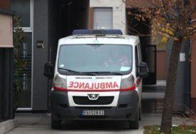 KRVAVI OBRAČUN ZBOG SAOBRAĆAJA Mladić izboden, hitno prevezen u Urgentni centar